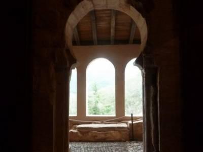 Rioja Alta-Yuso,Suso-Ezcaray-Nájera; puente san jose sierra de irati excursiones en madrid cerezo e